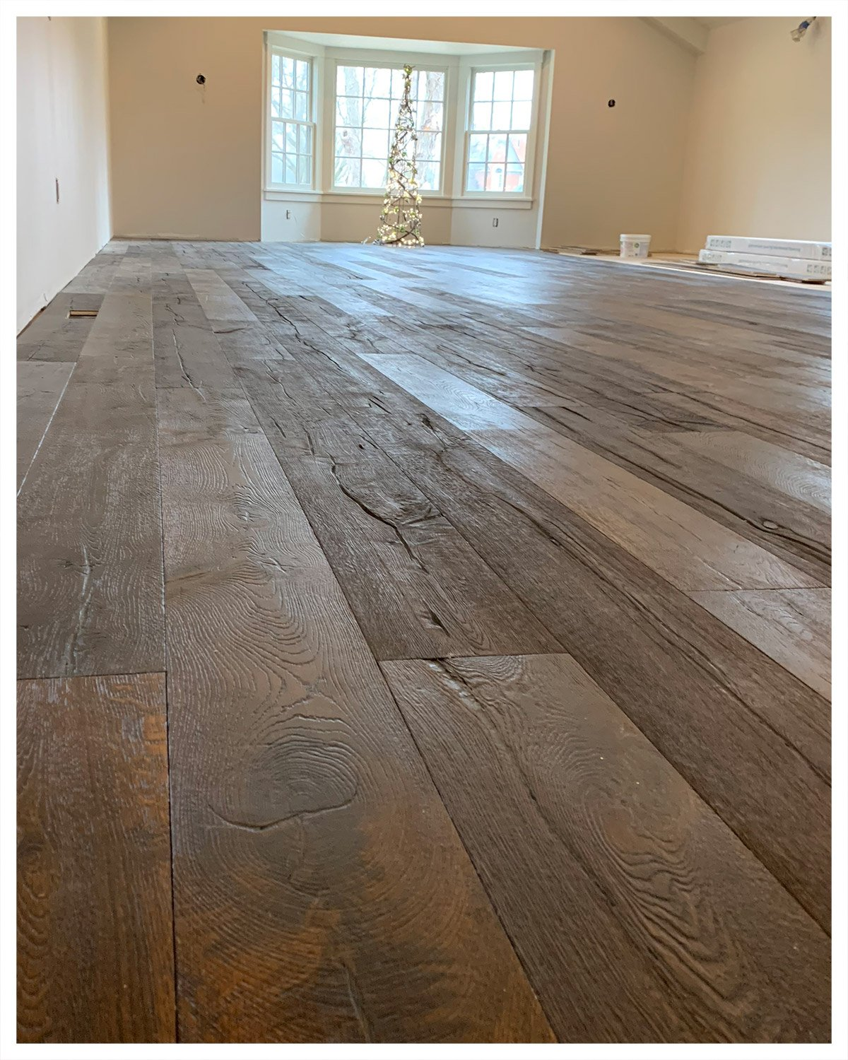Service - Hardwood floor installation